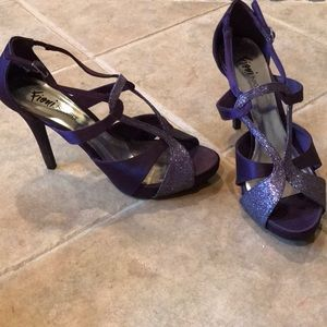 Strappy purple heeled sandals (small platform)